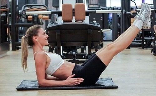 Exerciții pentru un abdomen perfect precum abdomenele inversate