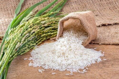 Rețetă delicioasă de orez verdeși legume