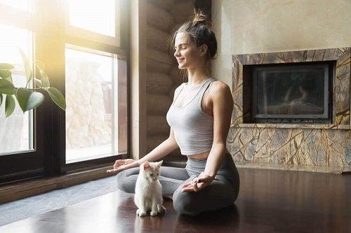 Yoga pe lista de exerciții care îți îmbunătățesc viața