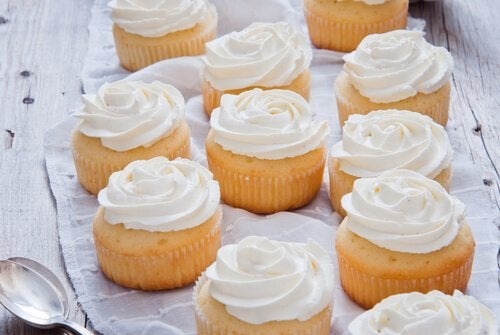 Cremă pentru prăjituri utilă și pentru brioșe