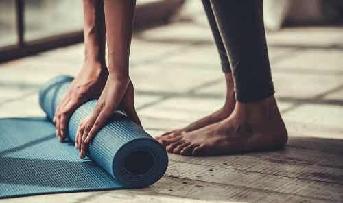 5 exerciții de yoga pentru îmbunătățirea flexibilității