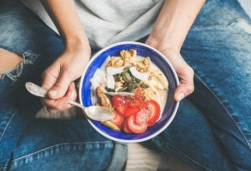 Idei de mic dejun cu fructe bogate în fibre