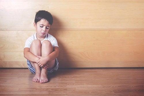 Lipsa de afecțiune la copii: 6 efecte negative