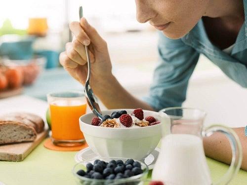 Mic dejun sănătos într-o dietă de slăbit
