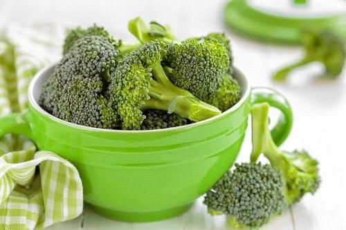 4 rețete cu broccoli pentru o cină ușoară