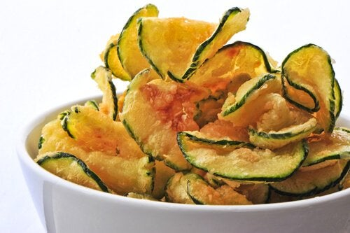 Chipsuri din legume: 3 rețete simple și delicioase