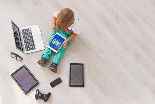 Alternative la pedepse privind accesul la dispozitivele electronice