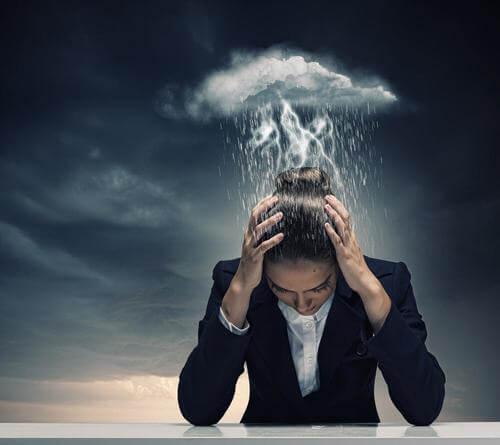 Trei analgezice naturale pentru ameliorarea migrenelor