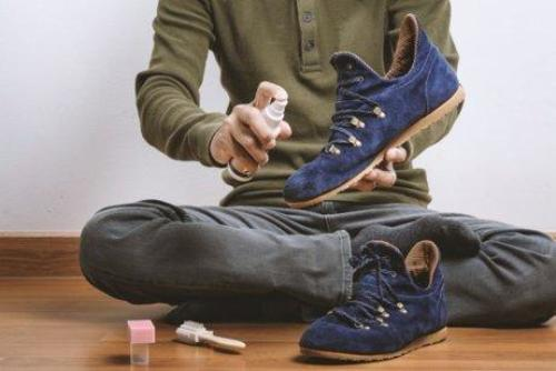 Curățarea pantofilor din piele întoarsă cu produse naturale