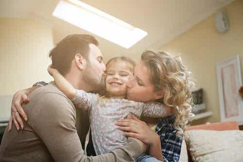 Fata singură la părinți: aspecte pozitive și negative
