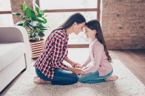 Fata singură la părinți are relații bune cu adulți