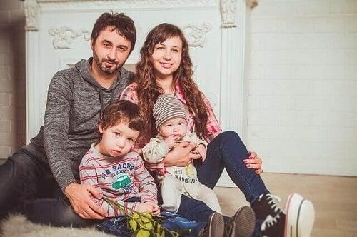 Fă fotografii cu bebelușul tău alături de întreaga familie