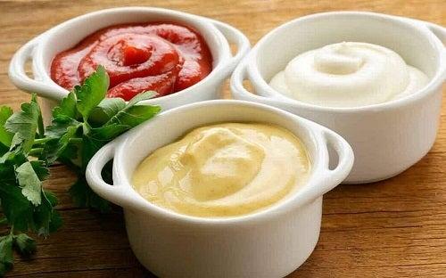 Împiedică acumularea de grăsimi cu sosuri preparate acasă