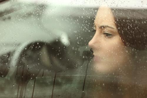 Lasă în urmă suferința gestionându-ți corect emoțiile