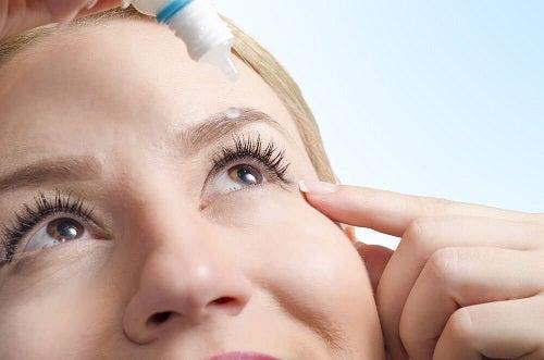 Ochii uscați pe lista de efecte ale aerului condiționat asupra sănătății