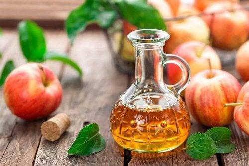 Oțet de mere pentru degresarea mobilei de bucătărie