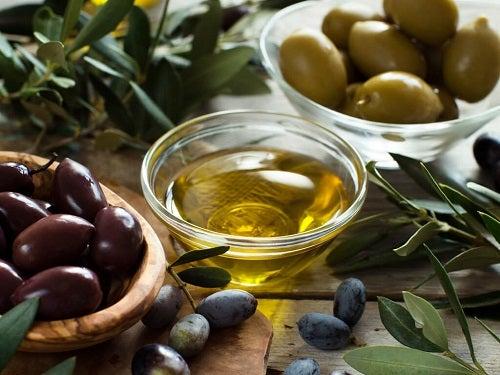 Scapă de grăsimea abdominală cu ulei de măsline