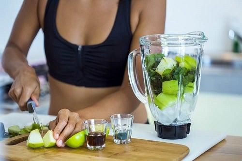 5 smoothie-uri pentru o dietă de detoxifiere