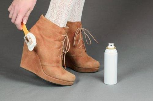 Soluții naturale pentru curățarea pantofilor