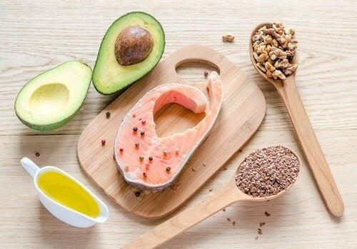 Tonifierea musculaturii cu alimente bogate în grăsimi sănătoase