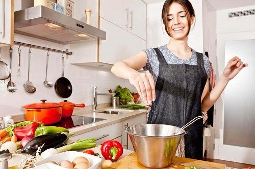 Cură de detoxifiere bazată pe consumul de legume și fructe