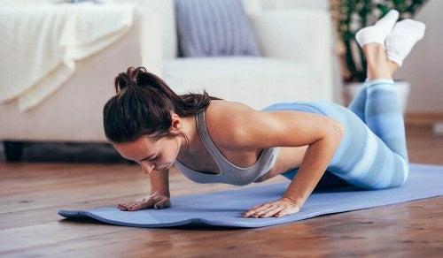 Cele mai bune exerciții pentru tonifierea brațelor