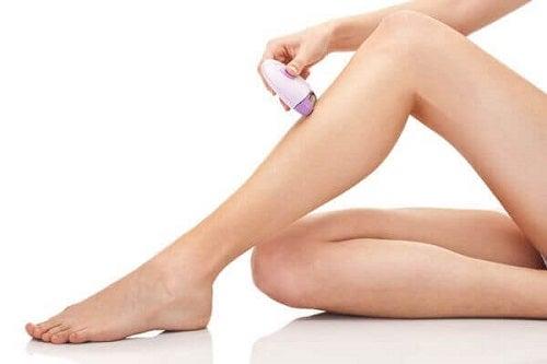 Epilarea definitivă cu laser pentru îndepărtarea părului de pe picioare