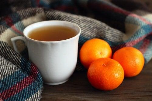 Remediu împotriva insomniei precum un ceai de coajă de mandarină