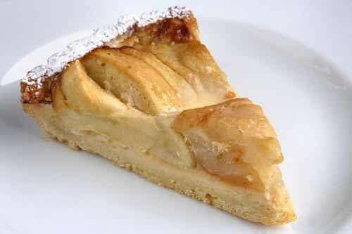 Cea mai ușoară rețetă de tartă cu mere