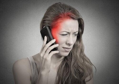 Utilizarea telefonul mobil ne afectează sănătatea