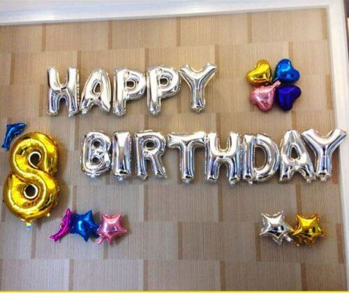 Decorațiuni cu baloane în formă de litere