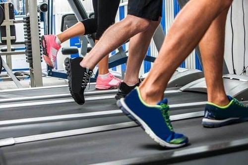 Beneficiile aerobicului la nivel fizic