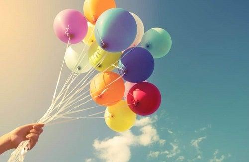 Decorațiuni cu baloane: 16 idei inedite