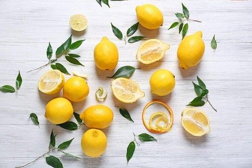 Lămâile sunt pe lista celor mai bune fructe pentru pierderea în greutate