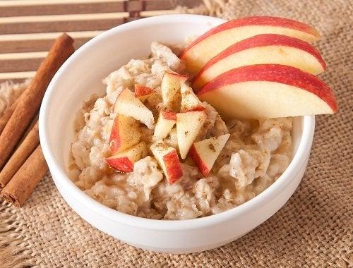 Modalități de a prepara terci de ovăz pentru micul dejun