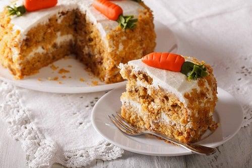 Rețetă de tort de morcovi fără ouă și grăsimi
