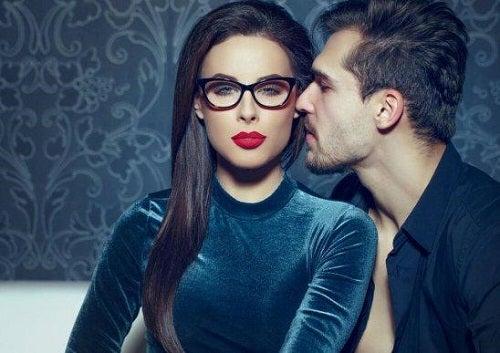Cum să atragi un bărbat fără a-l urmări