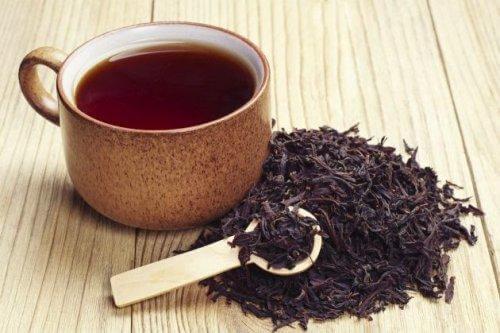 Remedii naturale pentru abcesul dentar cu ceai negru
