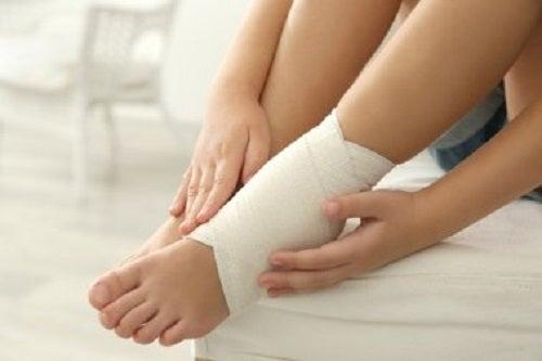 Remedii pentru entorsa de gleznă și durere