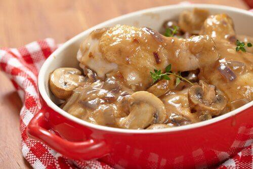 Rețete cu ciuperci în sos alb
