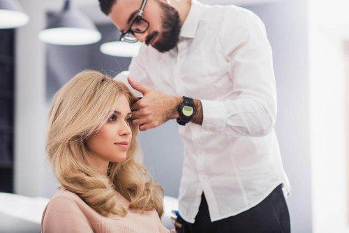 Beneficiile mersului la salonul de înfrumusețare pentru coafură
