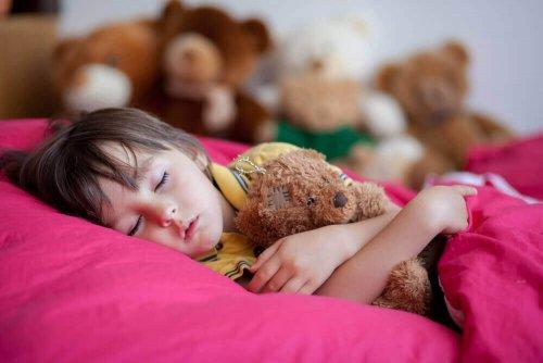 Somn liniștit după tratament pentru enurezis la copii