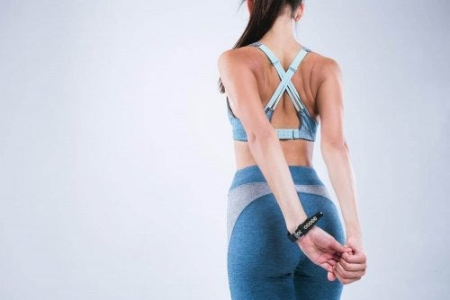 4 tipuri de întinderi pentru corectarea posturii