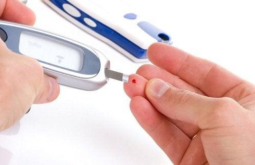 Test de glicemie din deget