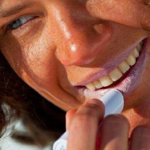 6 sfaturi ca să-ți protejezi buzele de soare