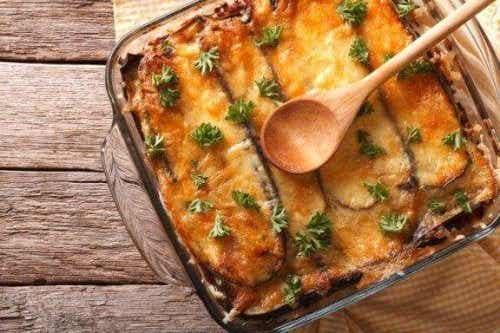 Rețetă de musaca grecească simplă și delicioasă
