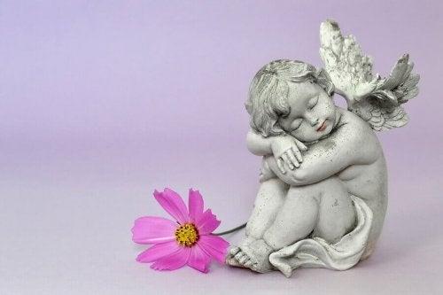 Statuetă în formă de înger