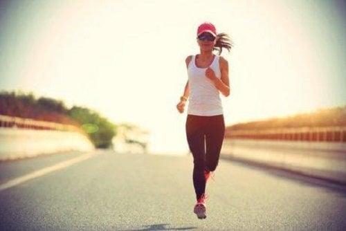 Femeie care aleargă