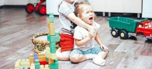 Gelozia între frați de sexe diferite
