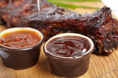 3 rețete de sos barbeque pentru carne